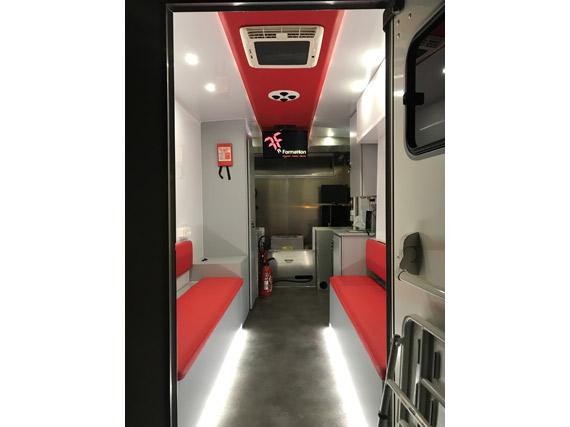 .Formation incendie unite mobile camion interieur